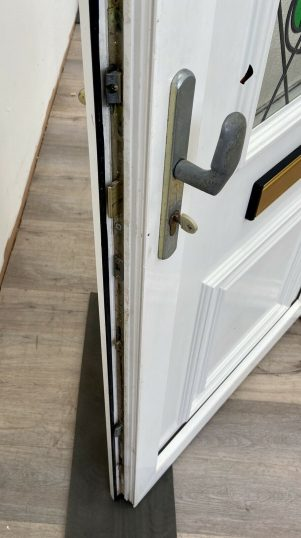 UPVC-PVCU-FRONT-ENTRANCE-DOOR-WHITE-WIDE-ROSE-LEAD-4